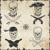 Emblematy czaszki na pirata temacie Obrazy Royalty Free