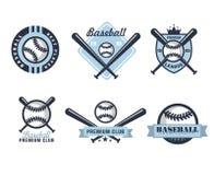 Emblemi o distintivi di baseball con le varie progettazioni illustrazione vettoriale