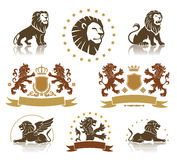 Emblemuppsättning med heraldiska lejon Arkivfoton