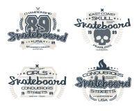 Emblèmes de planche à roulettes pour le T-shirt Photos libres de droits
