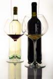 Embotelle el rojo y con el vino y el vidrio IV Imágenes de archivo libres de regalías
