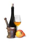 Embotelle y reflexione con el vidrio de vino Fotografía de archivo libre de regalías