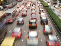Embouteillage dans la ville la nuit Photographie stock libre de droits