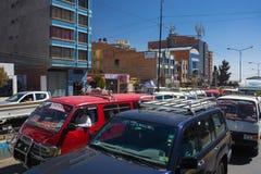 Embouteillage dans les rues de La Paz, Bolivie Images stock