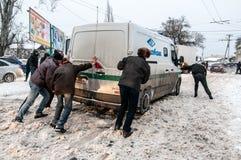 Embouteillage en hiver Photos libres de droits