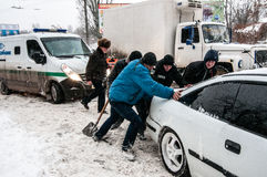 Embouteillage en hiver Photographie stock