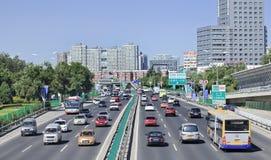 Embouteillage sur G6 l'autoroute urbaine, Pékin, Chine Image stock