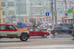 Embouteillage sur la place de Kaluzhskaya de Moscou Photo stock