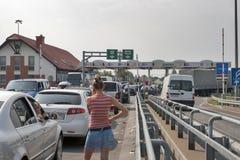 Embouteillages au cadre Ukrainien-Hongrois Photos libres de droits