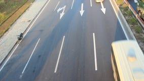 Embouteillages par des accidents banque de vidéos
