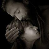 любовники embrace Стоковое Изображение