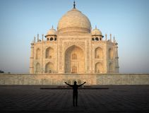 Embracing Taj Mahal Royalty Free Stock Photos
