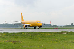 Embraer 195LR Saratov airlines taxiing Stock Images