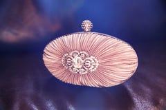Embrague nupcial de Diamond Encrusted Nude Colour Satin foto de archivo