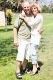 Embrassement aîné affectueux de couples Photographie stock