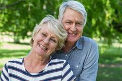 Embrassement aîné de couples Photographie stock
