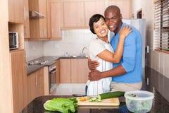 Embrassement de couples d'afro-américain Photographie stock