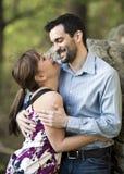Embrassement des couples Images stock