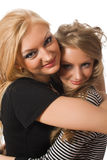 embrassement des soeurs semblables Photo libre de droits