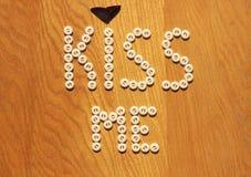 Embrassez-moi note photographie stock libre de droits