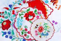 embroidery Fundo da foto do estúdio do teste padrão da textura do close up do bordado do handwork dos retalhos fotografia de stock royalty free
