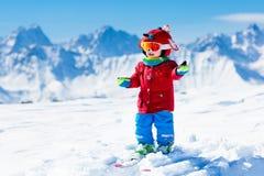 Embroma deporte de la nieve del invierno Esquí de los niños Esquí de la familia Imagenes de archivo