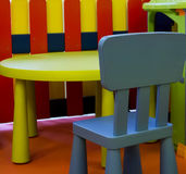 Embroma los muebles, colores vivos, espacio p1 de los niños Foto de archivo