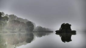 Embrumez au-dessus de l'étang de ` du Maroc de ` dans Katowice poland l'europe photos libres de droits