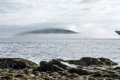 Embrumez l'île de porc-épic de bâche du port Maine de barre Photo libre de droits