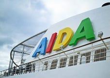 Embudo y tierra de deportes de un barco de cruceros de AIDA Cruises Imagen de archivo libre de regalías