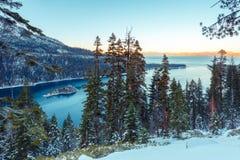 Emerald Bay i vinter royaltyfri fotografi