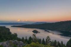 Emerald Bay-zonsondergang bij Meer Tahoe Californië royalty-vrije stock afbeelding
