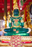 Emerald Buddha inom templet, Thailand Royaltyfri Bild