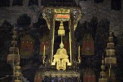 Emerald Buddha met gouden kabel Royalty-vrije Stock Foto