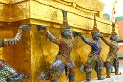 Emerald Buddha, ornamento das estátuas do templo de Wat Phra Kaew em Banguecoque Imagem de Stock Royalty Free