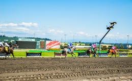 Emerald Downs, raça é corrente com a mangueira do número um na ligação Fotos de Stock