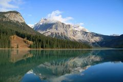 Emerald Lake. And mountains in Banff National Park Stock Photos