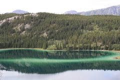 Emerald Lake Stock Foto's