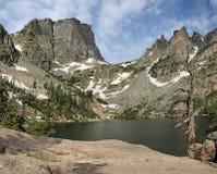 Emerald Lake e picco di Hallett fotografia stock libera da diritti