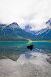 Emerald Lake em Yoho National Park, a montanha canadense de Montanhas Rochosas fotos de stock royalty free