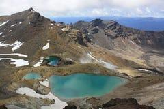 Emerald Lakes sur le croisement de Tongariro Image libre de droits