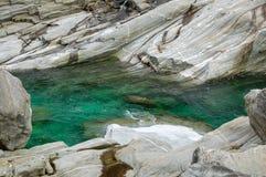 Emerald Water - Val Verzasca Imágenes de archivo libres de regalías
