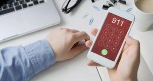Emergência número discada 911 no smartphone filme
