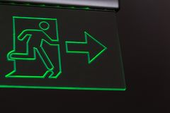 Emergency exit sign in the building Royalty Free Stock Photos