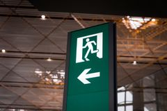 Emergency fire exit sign Royalty Free Stock Photography