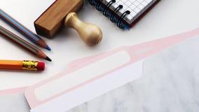 emerytura Falcówka rejestr na białym biurowym biurku zbiory