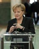 Emil Boc en Angela Merkel bij het Paleis van Victoria royalty-vrije stock foto's
