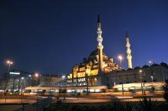 eminonu Istanbul meczetowy nowy noc indyka widok Zdjęcie Stock