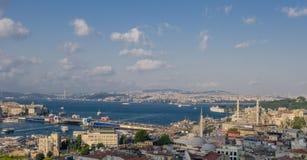 Eminonudistrict en Galata-brug, Istanboel Stock Foto's