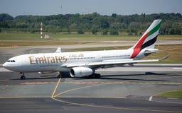 Emiräte Airbus 330 Lizenzfreie Stockfotos